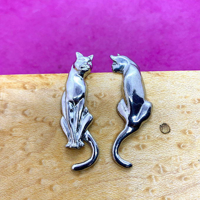 Cat Earrings E63