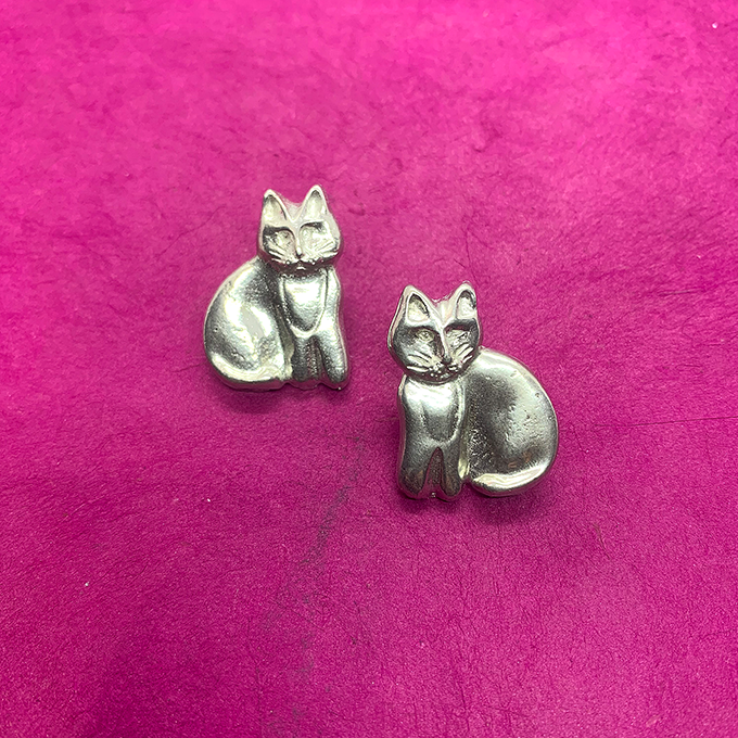 Cat Sitting earrings