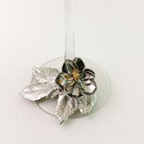magnolia on base detail