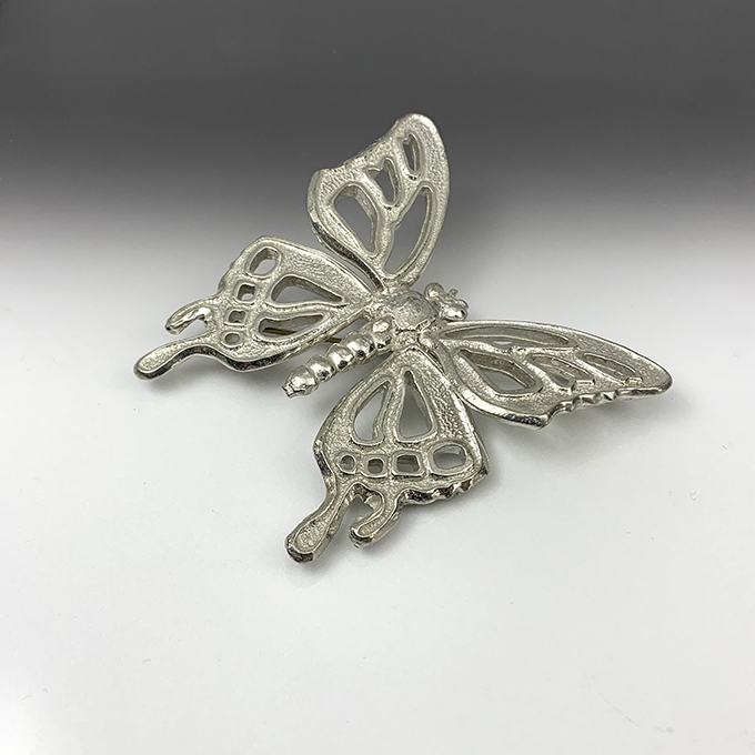 Butterfly openwork large pin