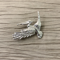 Pelican Flying Pin small